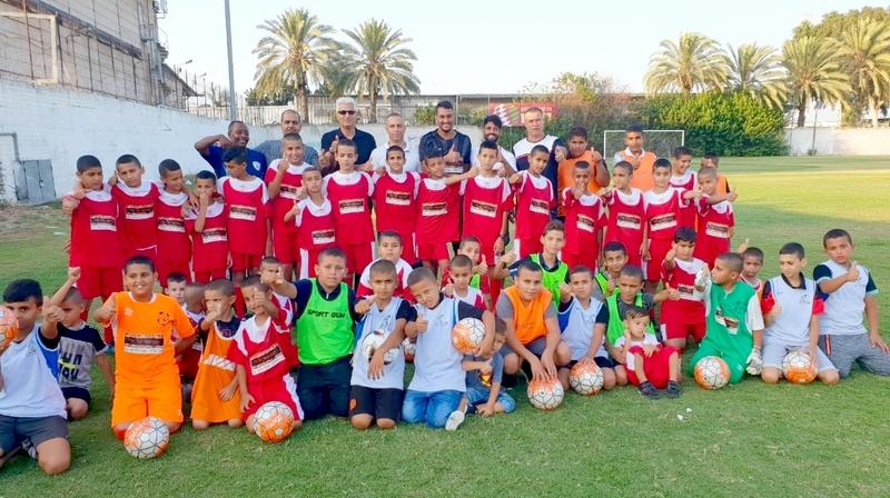 """בי""""ס לכדורגל בשכונת הרכבת בלוד"""