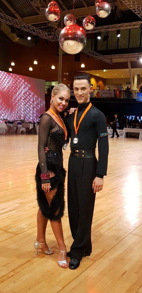 מקום שני בריקודים סלוניים בתחרות בהולנד
