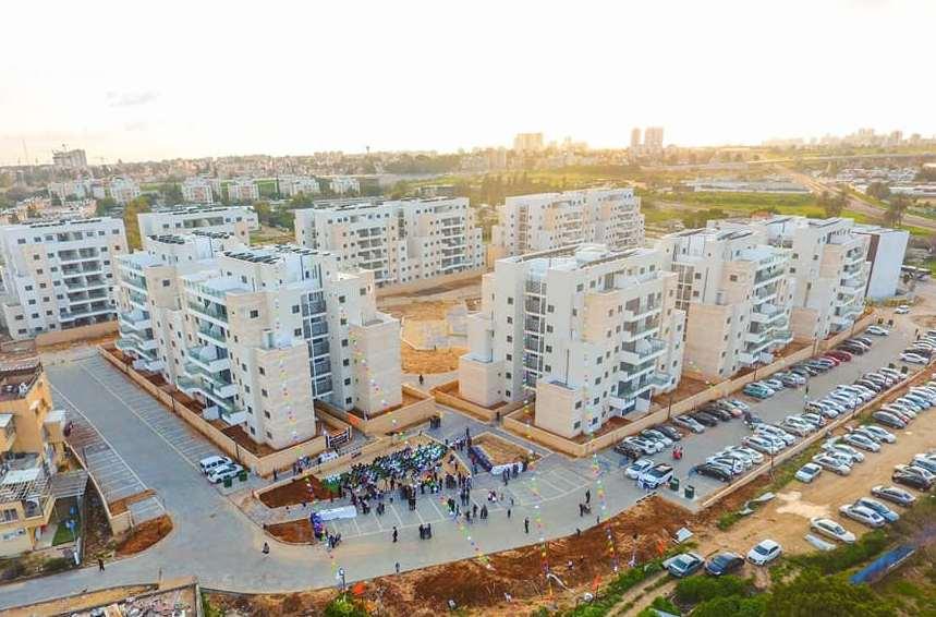 """טקס חנוכת הבית לשכונת שער העיר הצמודה לשכונת חב""""ד בלוד"""
