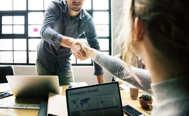 איך תואר שני במנהל עסקים יכול לשדרג אותך