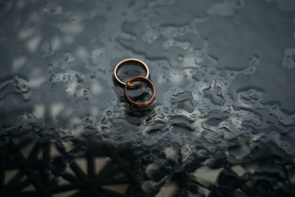 מה קורה כשהאהבה בנישואין נגמרת?