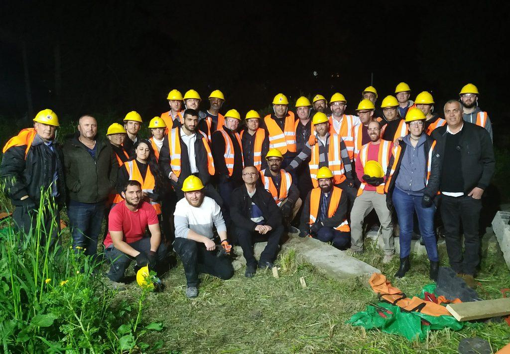 קבוצת המתנדבים מלוד שסיימו בהצלחה קורס צהל