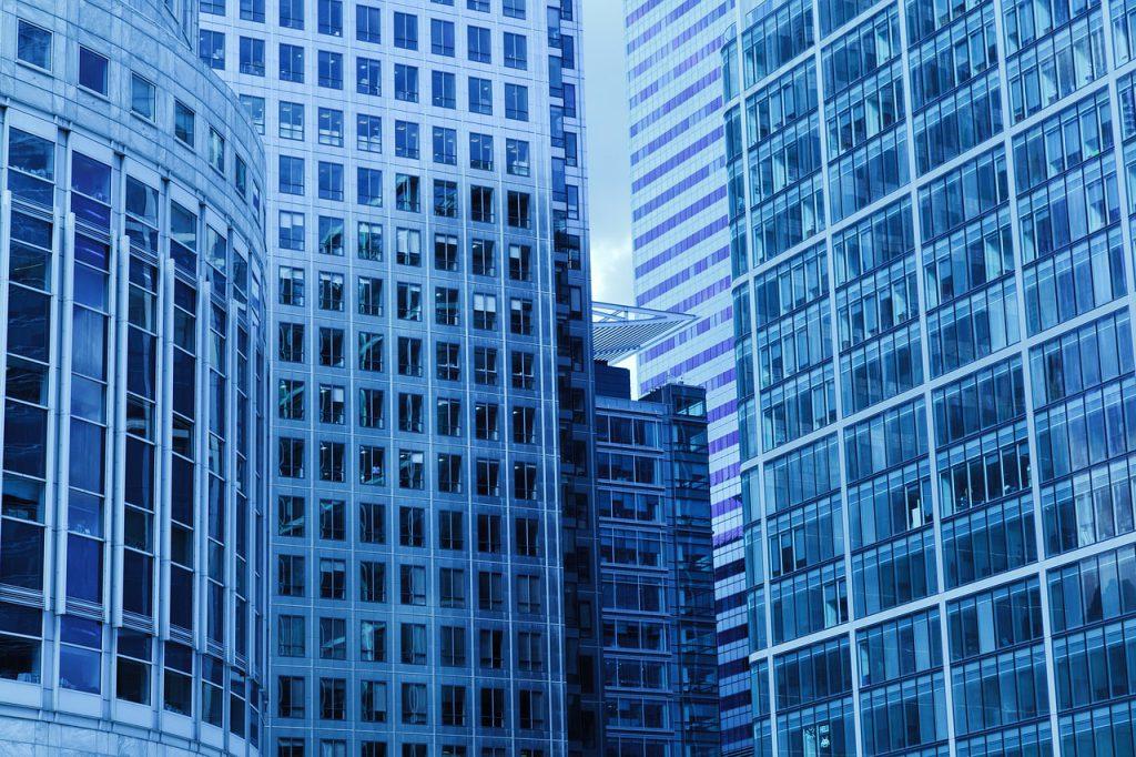 שני מגדלי משרדים  על שטח מחנה צריפין