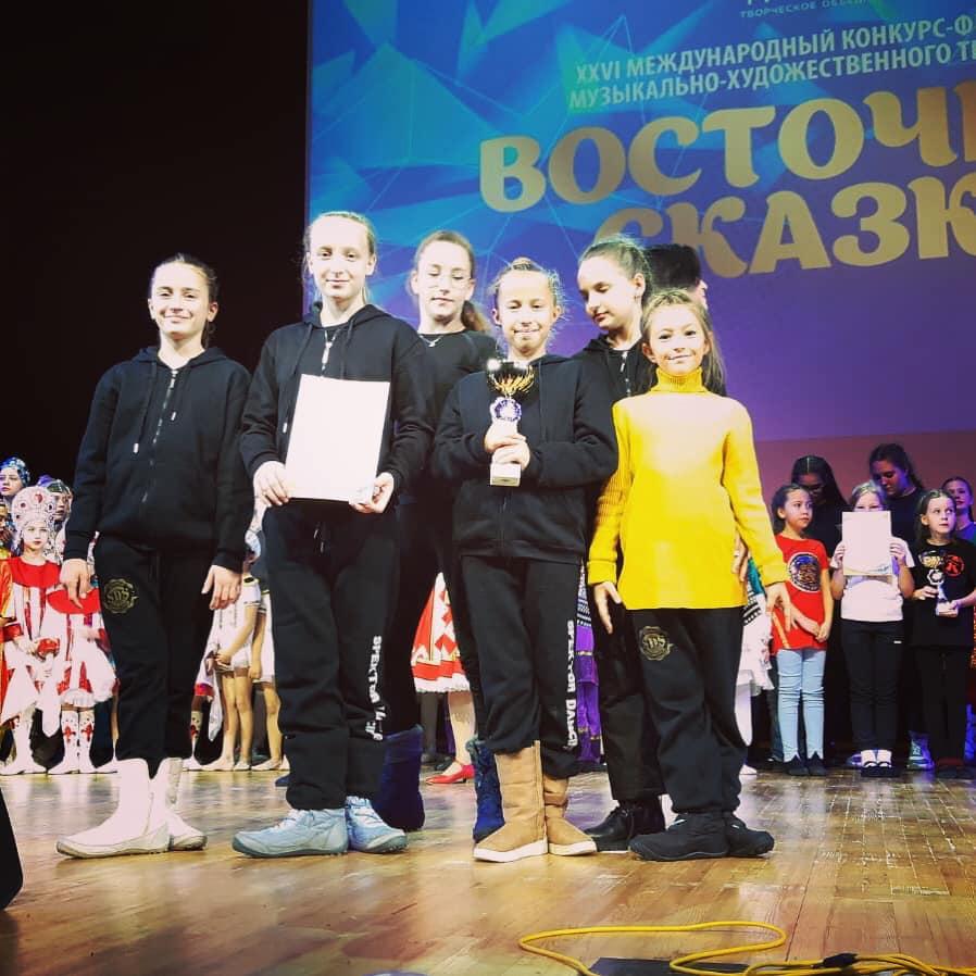 """הצלחה לרקדניות """"ספקטור דנסינג"""" מלוד בתחרות בינלאומית ברוסיה"""