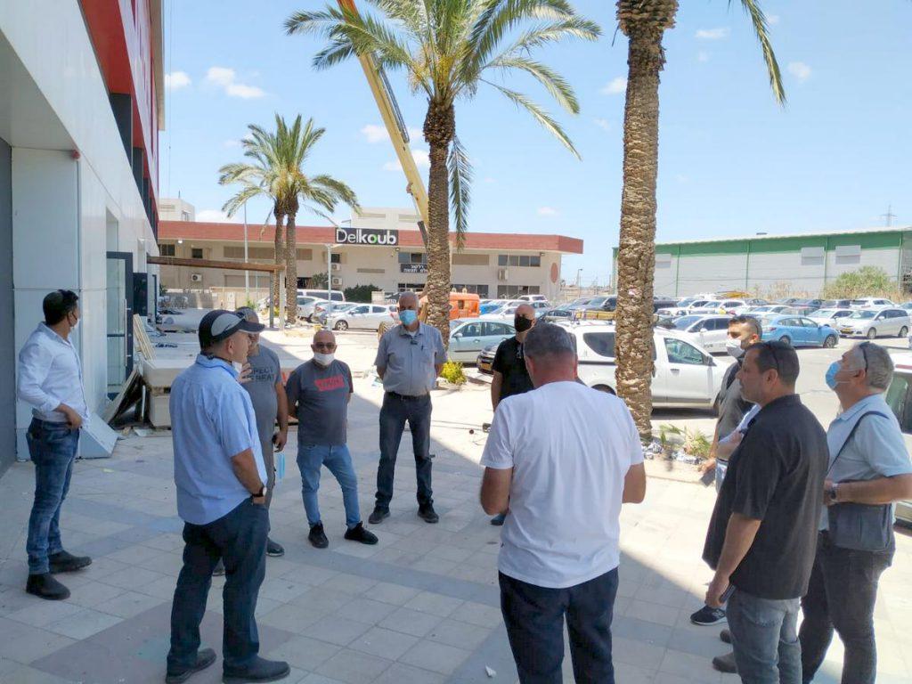 מנהלי המחלקות באגף תפעול בסיור ברחוב היוצרים המתחדש