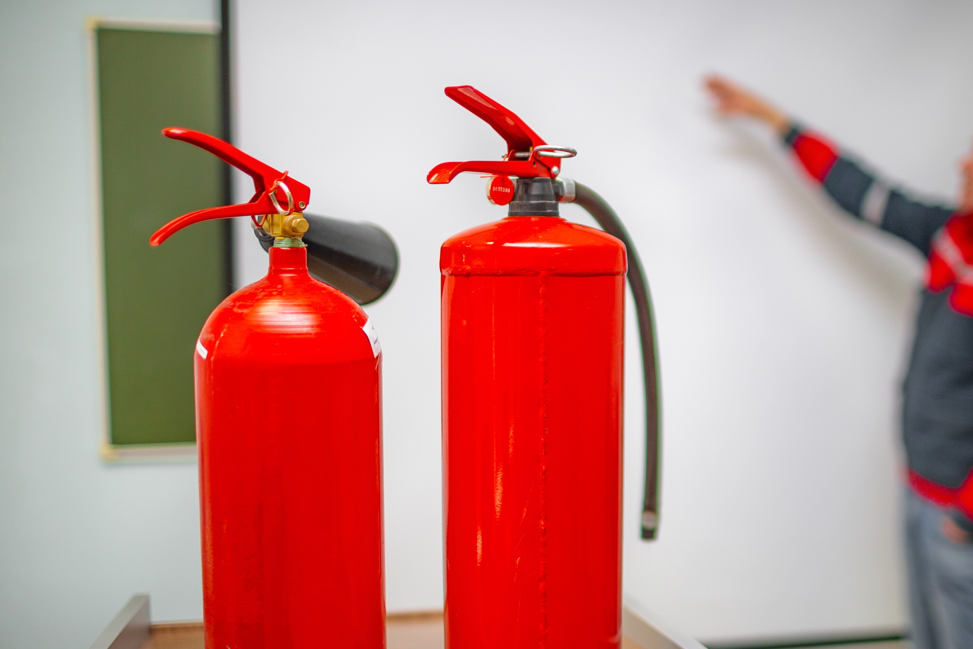 הדרכת כיבוי אש לעובדים: היערכות מראש מונעת אסון